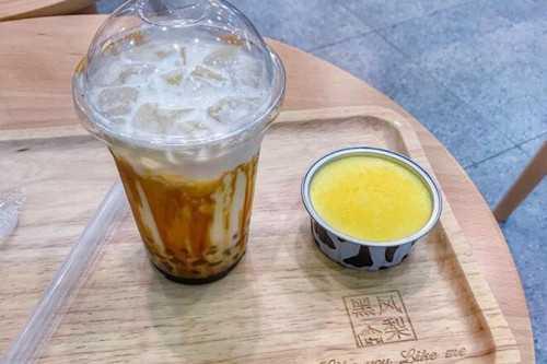 黑凤梨奶茶加盟费是多少?官宣答案奶茶加盟费!