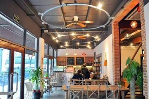 虎Café&Bakery加盟店图片二